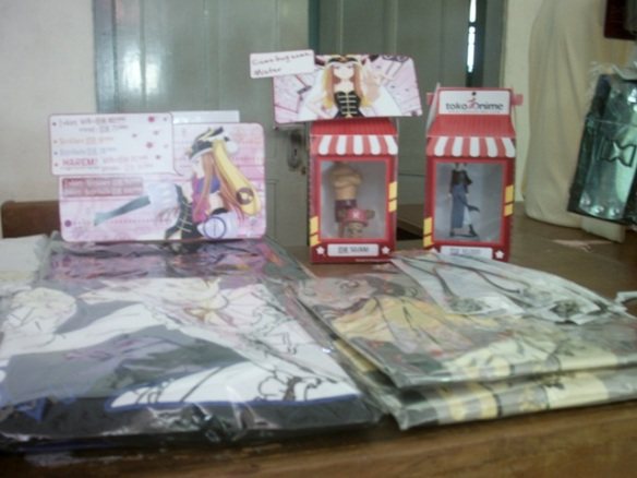 01-toko-cosplay-di-yogyakarta-088806003287-cosmic-shop-event-asian-day-2013-stand-cosmic-shop.